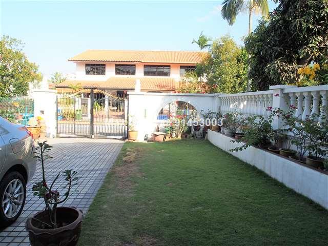 Intermediate Terrace at East View Garden