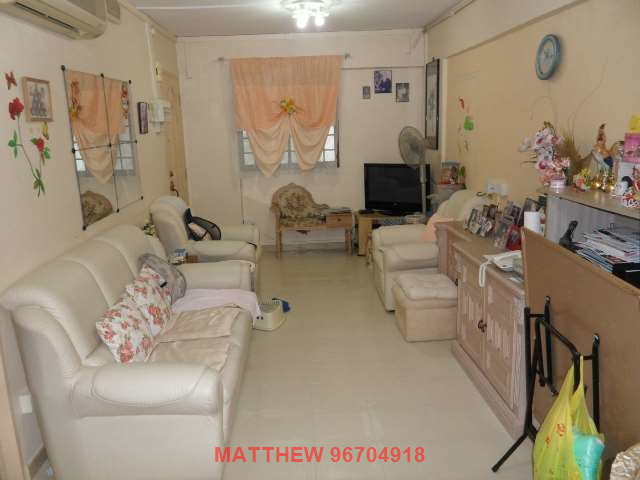 Bukit Batok, Blk 230