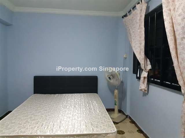 Jurong East, Blk 211