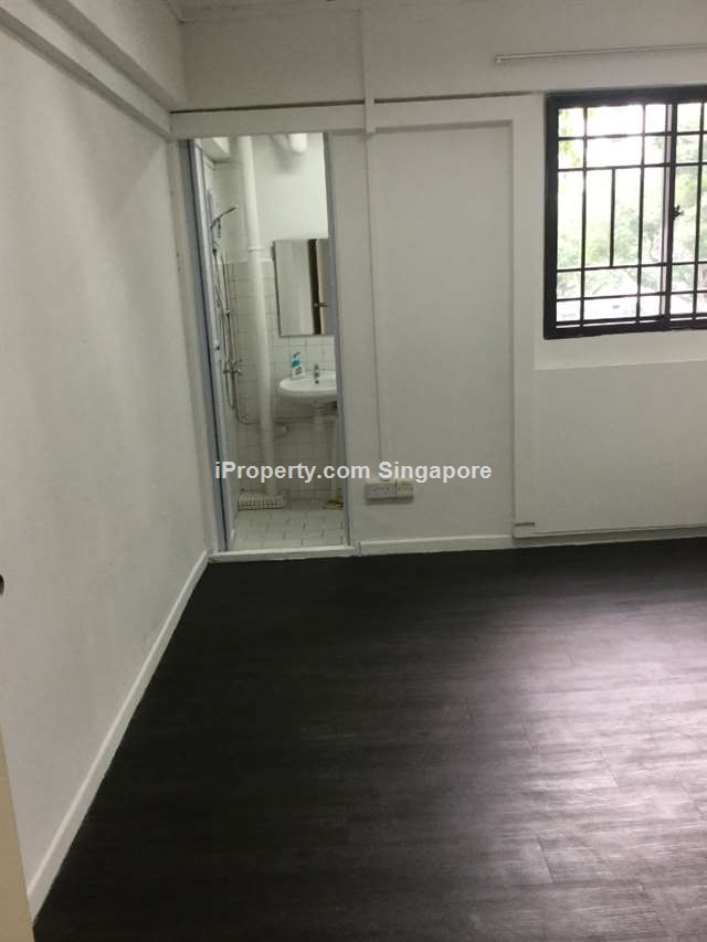HDB Shophouse for sale @ Blk 482 Jurong