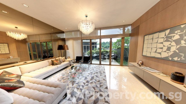 The Whitley Residences Brand New Freehold Cluster House with Home Lift