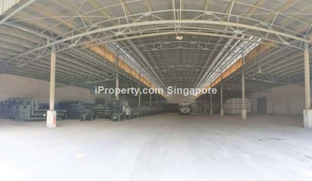 Ground floor Warehouse High Ceiling 40 footer access at Tuas