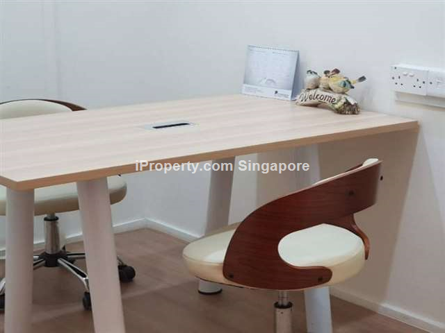 Small light industrial / office. Commonwealth MRT
