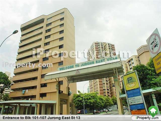 2 bedrooms 3 rooms hdb flat for rent in jurong east Master bedroom in jurong east