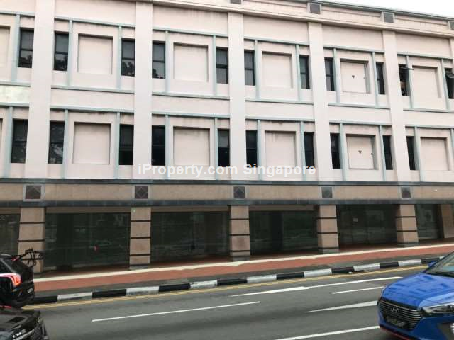 ** Chinatown 4900sqft space, wide frontage, near MRT **
