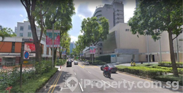 ** Cheap Orchard Road 2 bedroom 880 sqft, partial furnished **