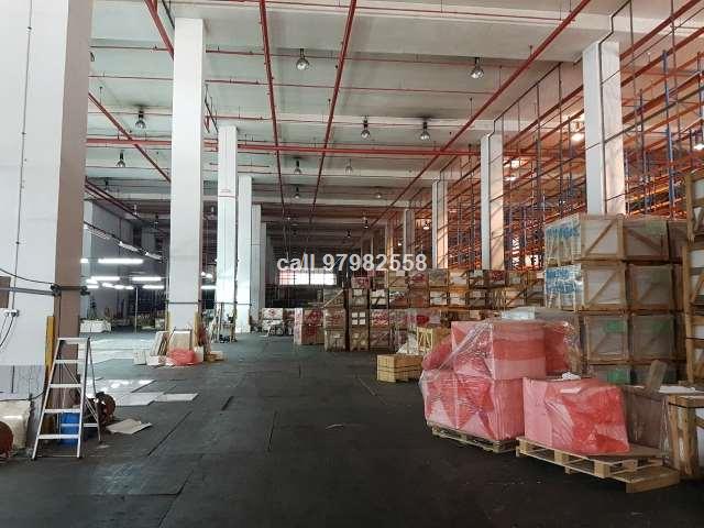 Pioneer Warehouse - High Ceiling - Loading Bays