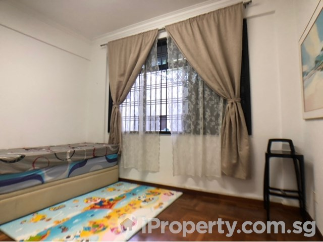 Rare Freehold 3 Bedroom Apartment
