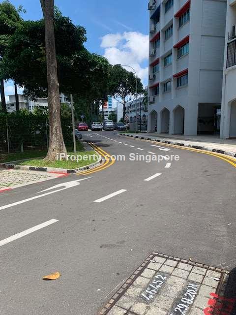 .Blk 129 Geylang East Ave 2