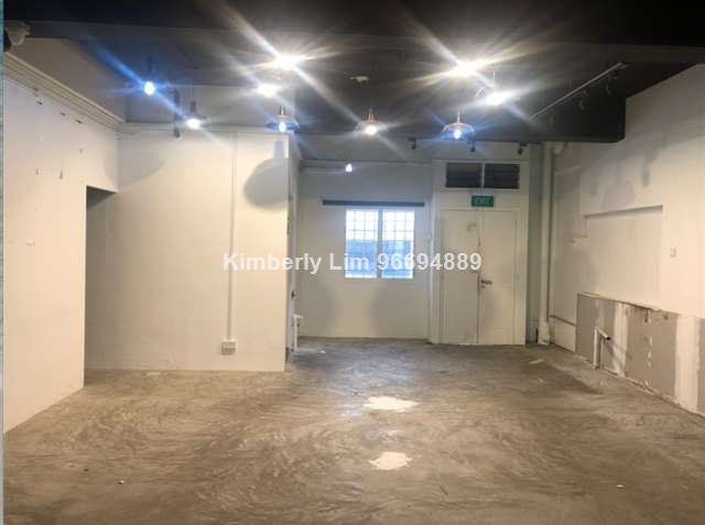 Ground floor shop / Retail for rent / lease