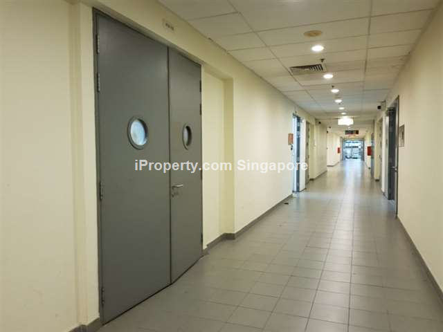 Ready operating space with a/c corridor for rent