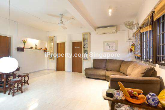 Walk Up Apartment in Tiong Bahru