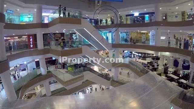 Shop space for sale. Oversea Buyer can buy too