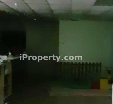 Shop space can use as Childcare Centre for rent