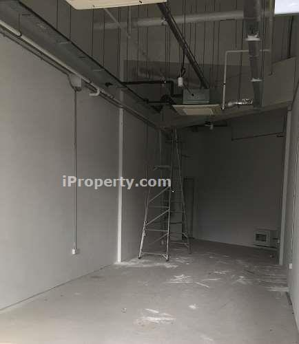 F & B  shop space for rent