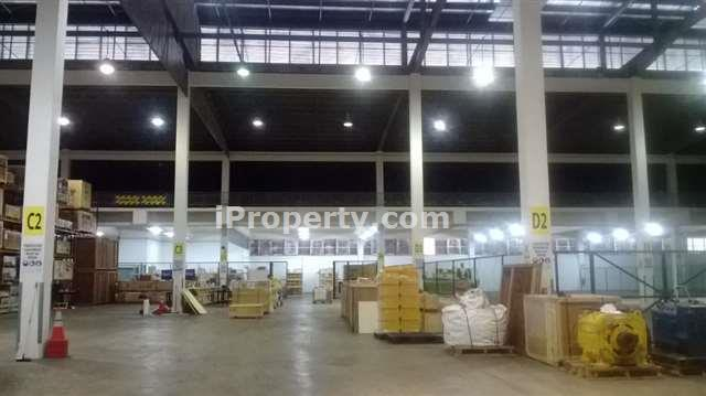 Single storey warehouse for Rent