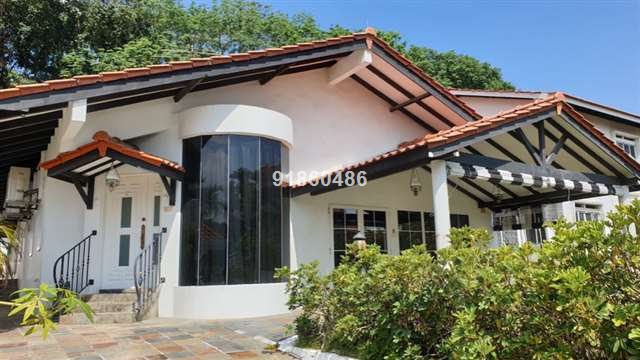 Rare Single Storey Bungalow House For RENT